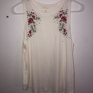 White tank top with flower embroidery